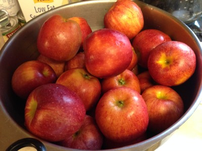 Stem-free apples